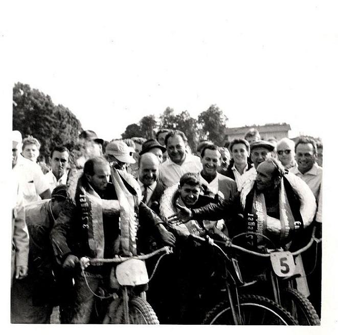 I Plattling vandt Josef Hoffmeister EM for tredje gang i træk og ses her sammen med Josef Seidl til højre, som blev nr. 2 og Josef Sinzinger til venstre, som blev nr. 3.