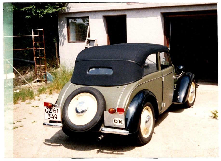 Foran garagen på Oddervej.