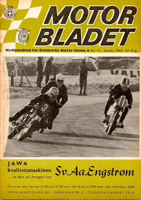 Motorbladets forside  i nov. 65. Nr. 3 er Dan Jeppesen og n. 11 Franz Kroon. Erik Thomadsen bag ved Dan Jeppesen er overlappet med en omgang.