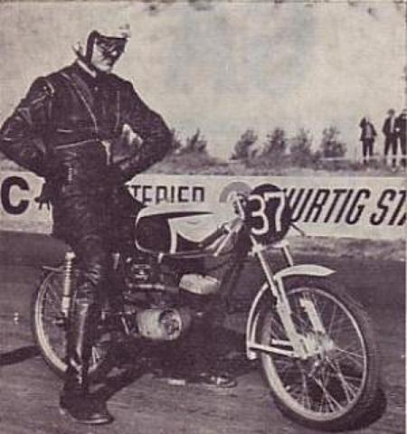 Vilhelm Kaas fra Grenå stillede op i 50cc klassen på en italiensk Guazzoni.