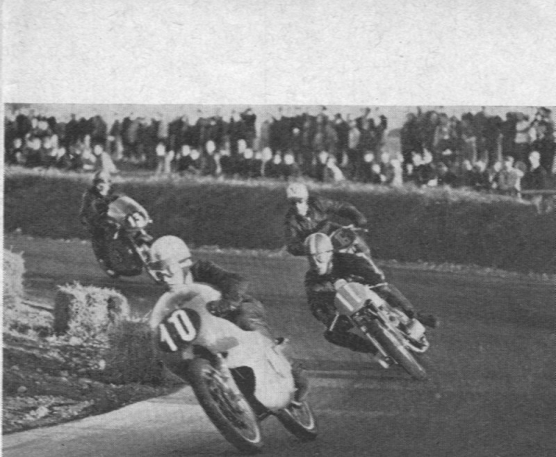 250cc klassen. Vagn Stevnshoved foran Franz Kroon, Jimmy Smed og Robert Olsen.