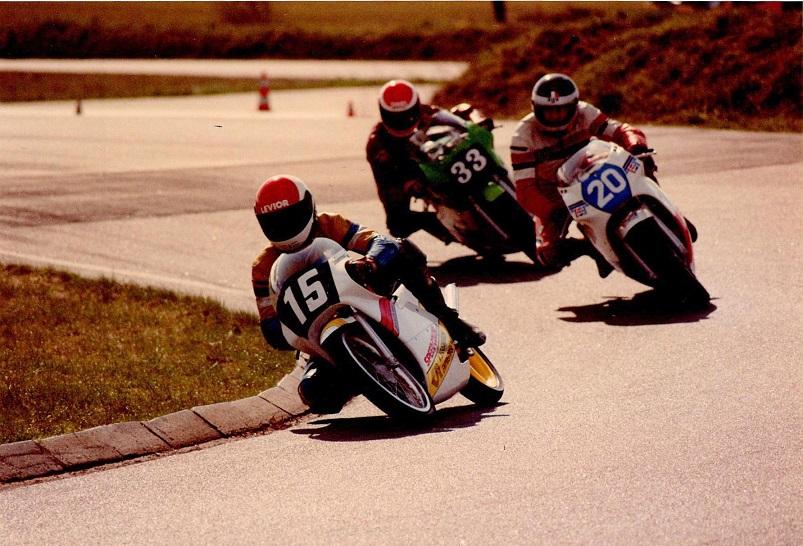 Chris Jensen foran Jimmy Petersen 20 og Jørn Rasmussen 33