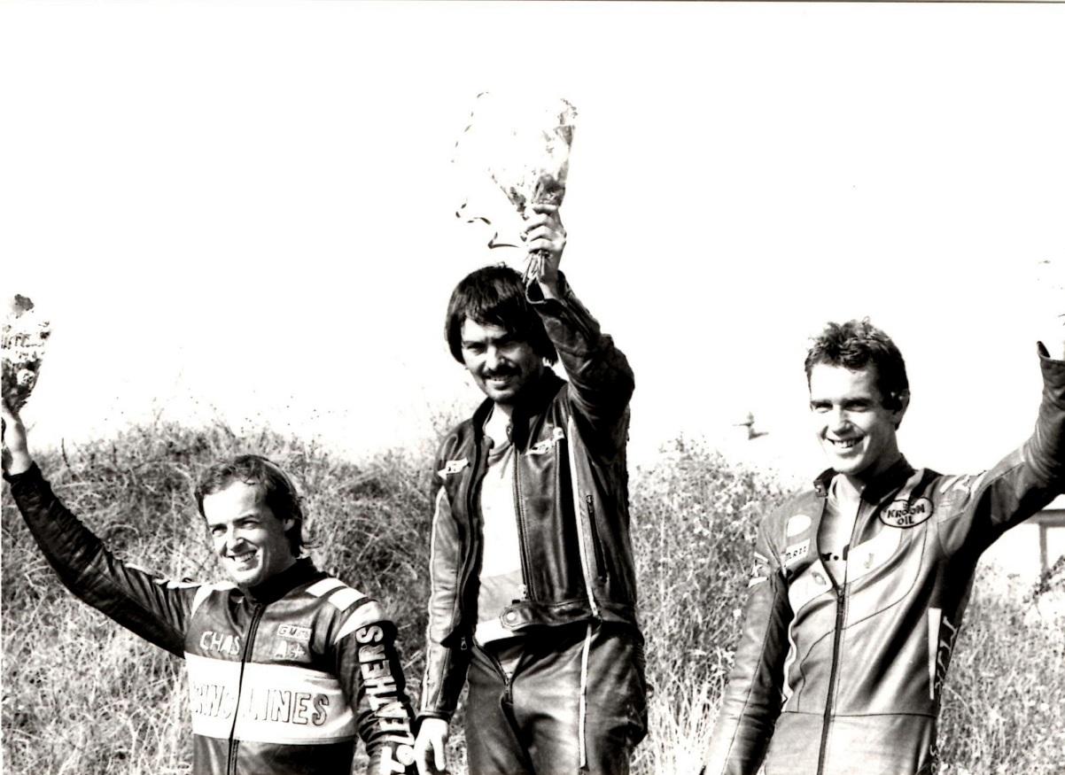 Christer Mortensen vandt 350cc klassen foran Chas. Mortimer tv og Gerard de Wal, Holland th.