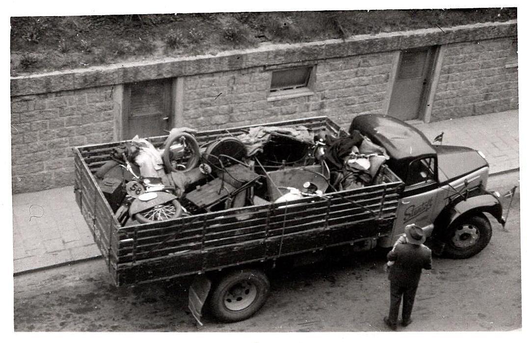 Der var meget grej, der skulle fragtes til Sverige, så det blev stuvet på denne lastbil.