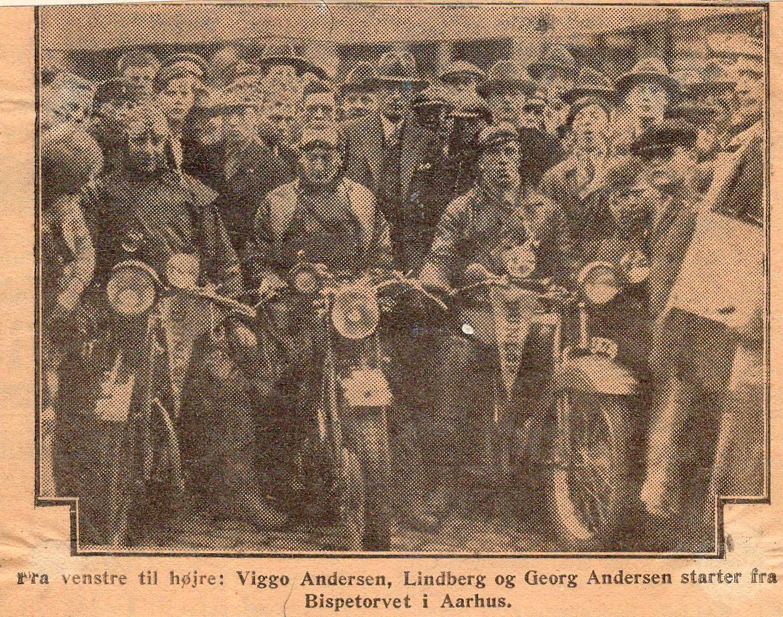 Dunlopløbet 1929. Avisbillede fra starten på Bispetorvet i Aarhus.