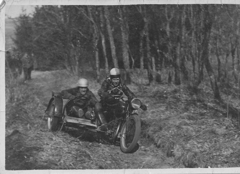 Hvidsten trial 1946. Frank i sidevognen ved Carlo Sejer. img2
