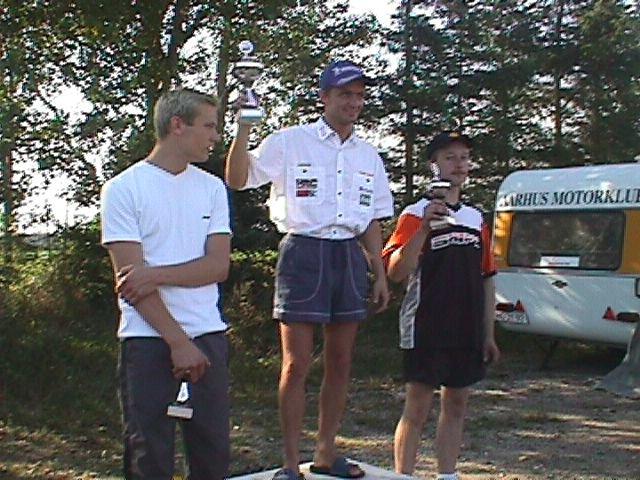 Præmieuddeling 125cc racer. Ole Gram vandt foran Ronnie Ourø tv og Lars Ib Kristiansen.