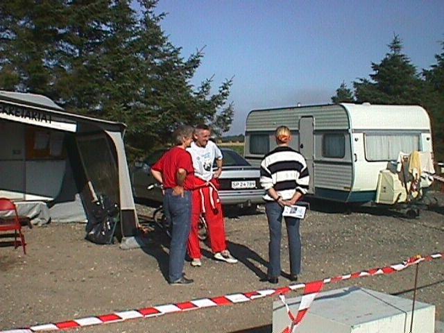 På den tid var der TK fra et telt i ryttergården på græsarealerne overfor indgangen. TK-chef Krause med fru Vibeke tv.