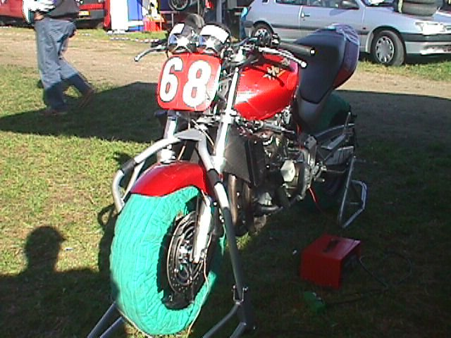 Rasmus Rasmussen, RRF kørte denne Honda i den lille deb. klasse.
