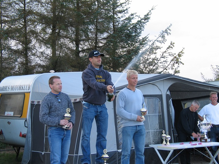 Thomas Hansson vandt DMU Cup Rookie II foran Niels Schmidt tv og Tom Eggers