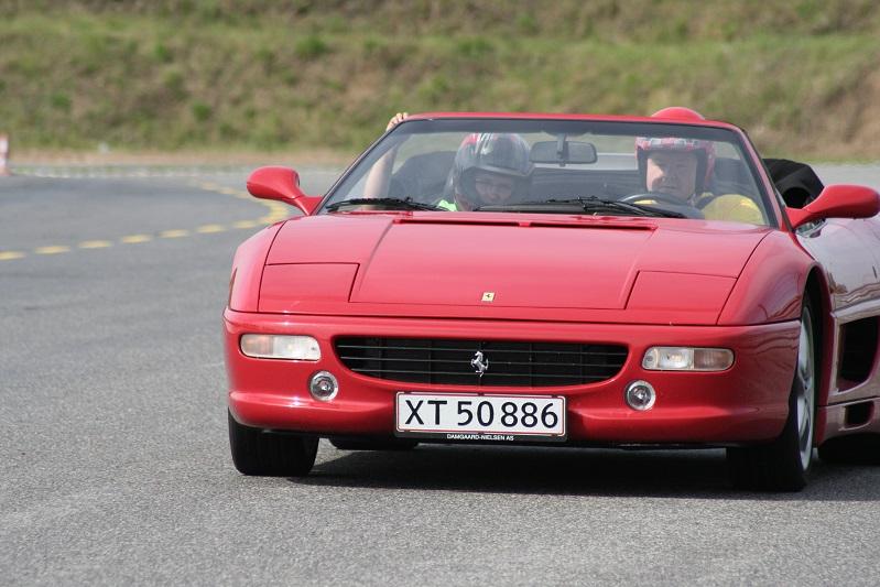 Der var hyret en Ferrari ind som Safety Car i lørdagens Canonball løb