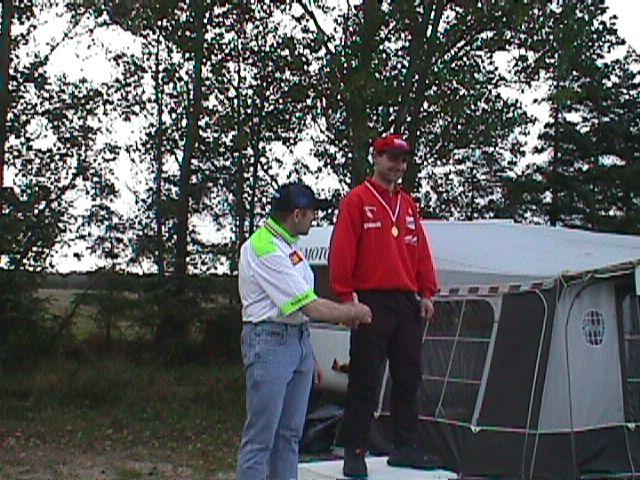 Søren Hole vandt DM, her med medaljen.