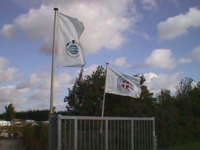 AMK og DMU flag.