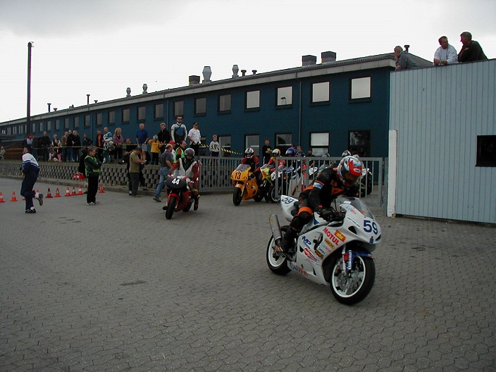 Superbike. Kim Philip 59, Tony Nilsson 44.