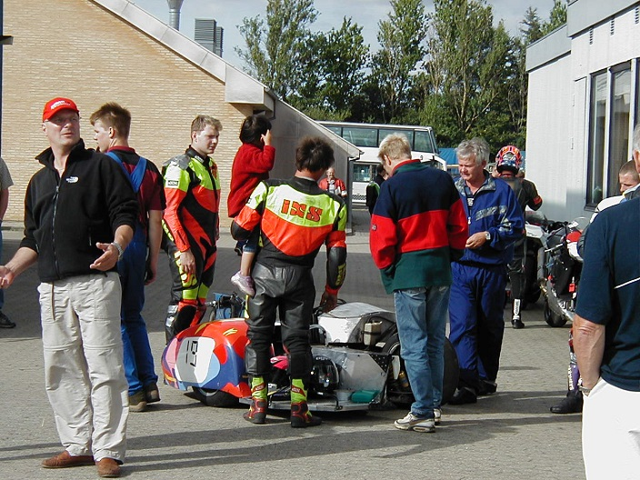 Der var ikke sidevognsklasse på programmet, men Poul Olesen og Jens Roulund fik lov til en prøvetur.