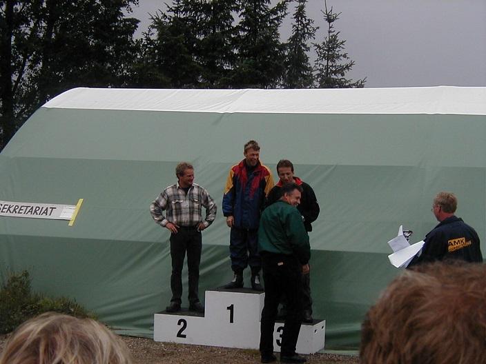 Alex Lauridsen vandt 125cc st. Old Boys foran Ville Møller tv og Per Jacobsen.
