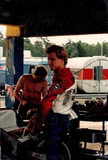 Paul og Chris i depotet. Chris har været nede.