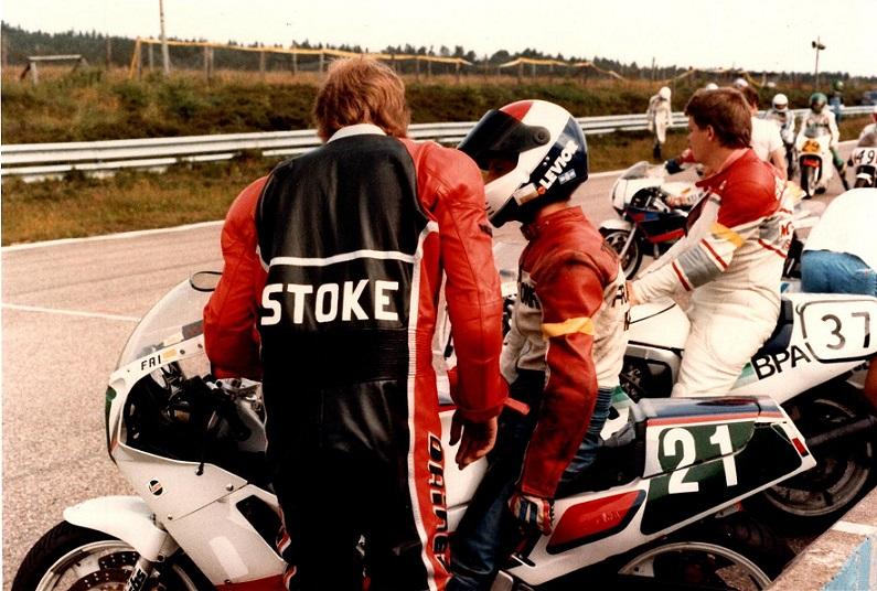 Også i 1988 var Chris til langdistanceløb på Anderstorp. Stoke alias Søren Kolind med ryggen til.