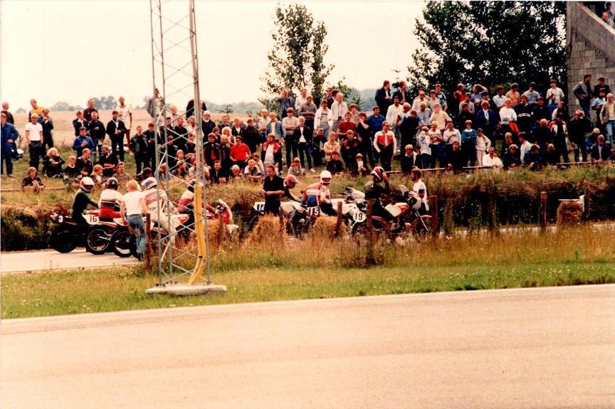 1985-08-18 RD int. Starter Åge Nickelsen er ved at få kontrol over FII starten