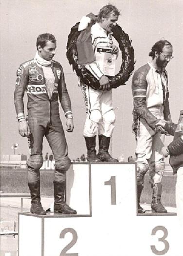 1986-05 JR NM. Finn fik sølvmedalje i 500cc klassen efter et flot løb. Finnen Henttinen vandt, Michael Jansberg fik bronze.