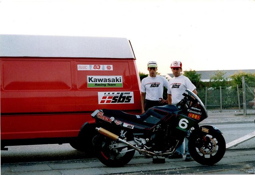 1988. Finn og Poul Jørgen Taul, makkerpar på Kawasaki til 8 timers løb på Anderstorp. Taul havde købt Finns Kawa 87.