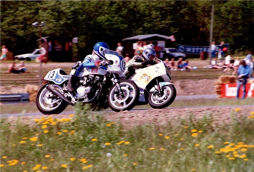 1988-05 JR img2. Allan Østli på Suzuki GSX750 og Finn i duel.