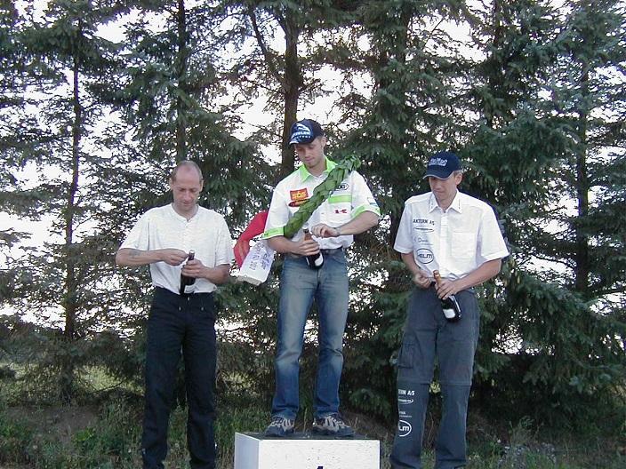 DM-finalen Ring Djursland 2002. Mester Nicolai Sørensen. Finn tv fik sølv, Henrik Larsen th bronze