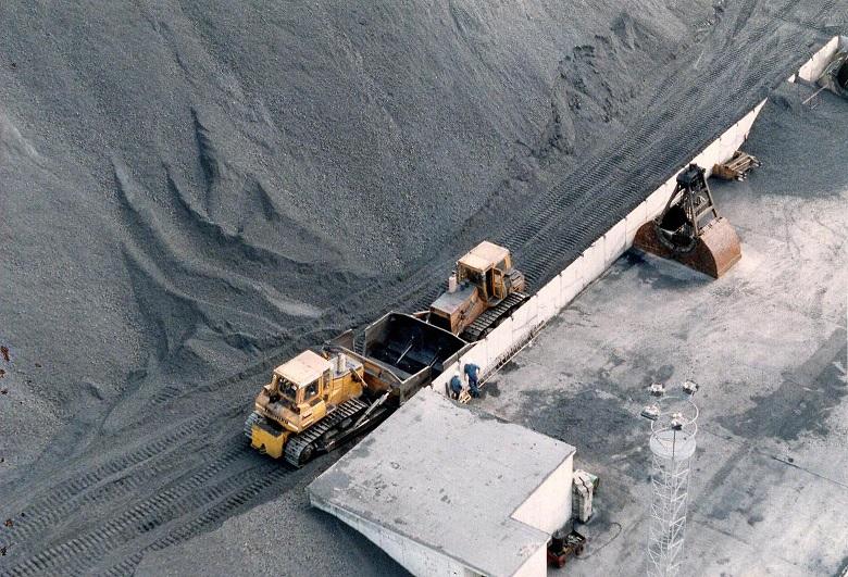 Tunge køretøjer til at håndtere kullene