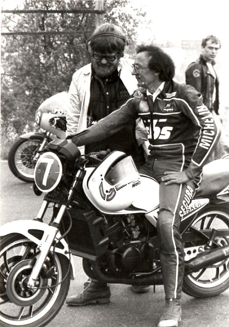 Den dygtige bilkører Erik Høyer var også dygtig på motorcykel og blev nr. 4 i klassen på sin RD.