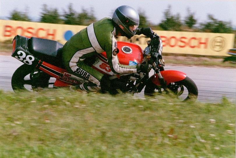 Finn Villadsen startede i Battle of Twins på en Kawasaki 500GPZ.