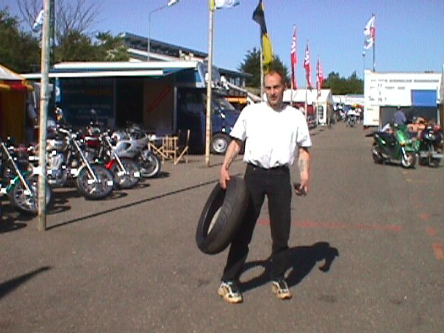 Finn Villadsen kørte igen på Hona CBR Hornet.
