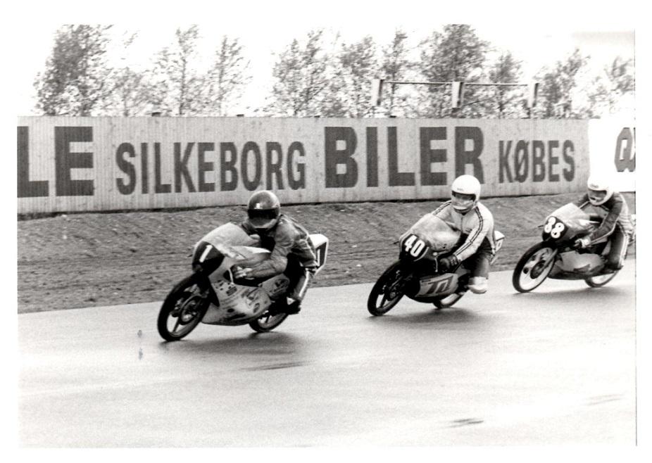 Flemming Kistrup 1 vandt 125cc, her foran finnerne Rosnell og Kulmakorpi