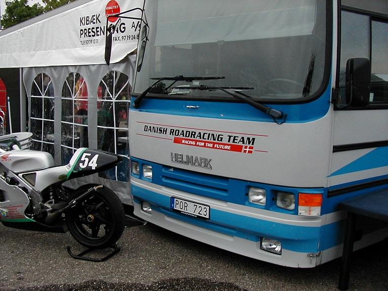 Landstræner Chris Jensen havde etableret Dansk Road Racing Team.