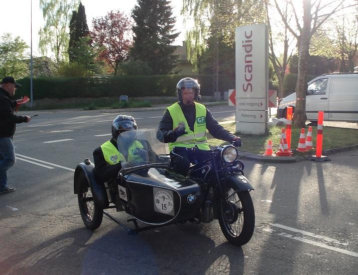 Skagen-løbet 2015 var et 50 års Jubilæumsløb, hvor man kunne vælge kun at køre 1 dag. Det benyttede jeg mig af, og kørte fra Skagen til Silkeborg med min nevø Thomas Kehren. Her ankommer vi til Silkeborg.