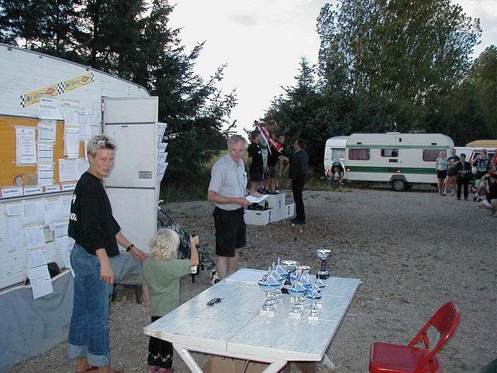 Præmieuddeling Ring Djursland sept. 2002. Anne Mette med datter Pauline tv.