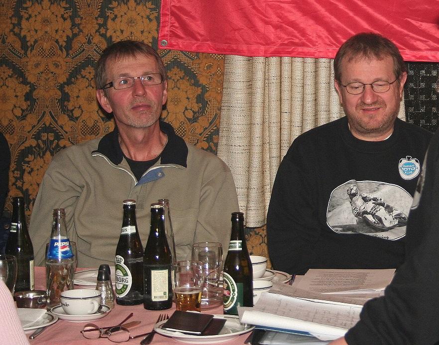 Et godt billede af Erik, generalforsamlingen 2007. Bent Jensen th.