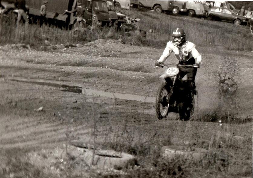 Efter 71 modellen fik jeg en model 73/74, som jeg kører her muligvis i Uhre omkring 1975.