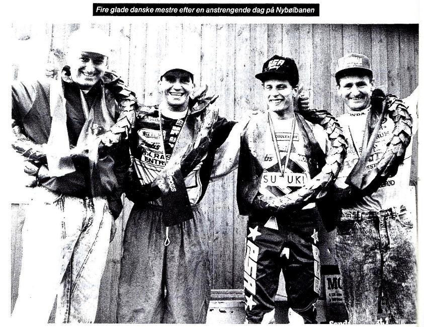 1990-11 DM cross slut img1