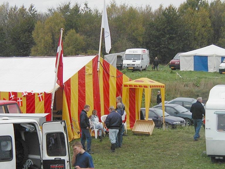 Også i 2001 havde AMK en fin Base Camp med overdådig betjening.
