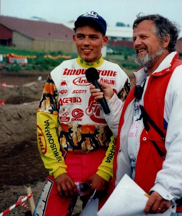 Her laver Niels et interview med Jesper Kjær Jørgensen. MB 1992-10