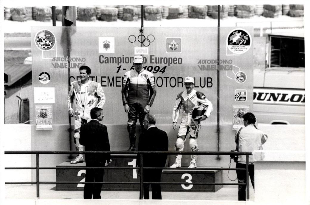 Sejrspodiet i Vallelunga. Italieneren Colombari på Ducati vandt foran en anden italiener Margutti også på Ducati med Anders som treer.