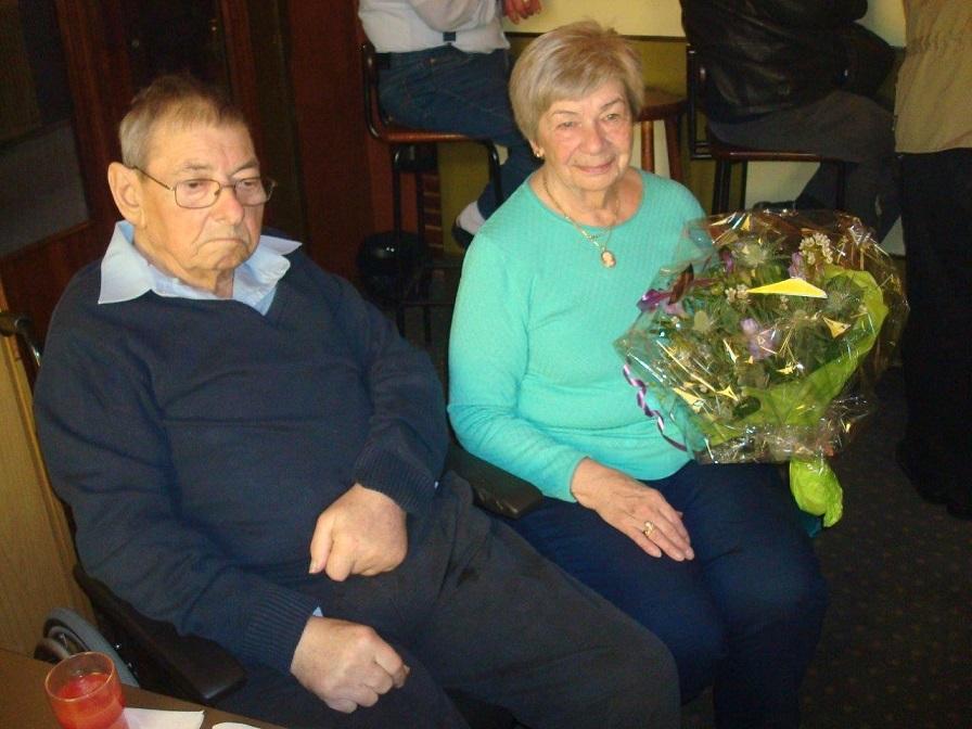 2016-05-01 Hinnerup Kro. Service og Rie blev fejret med de 40 år.