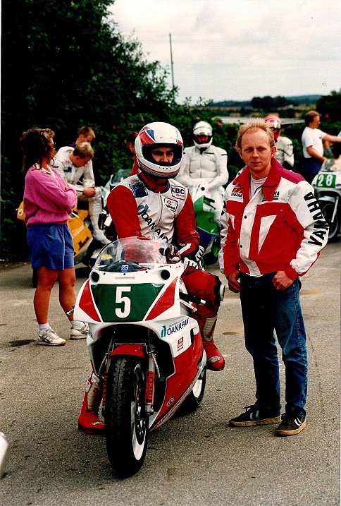 Jyllands-Ringens Grand Prix 1991. Kierstein klar med råd til Anders Rasmussen.