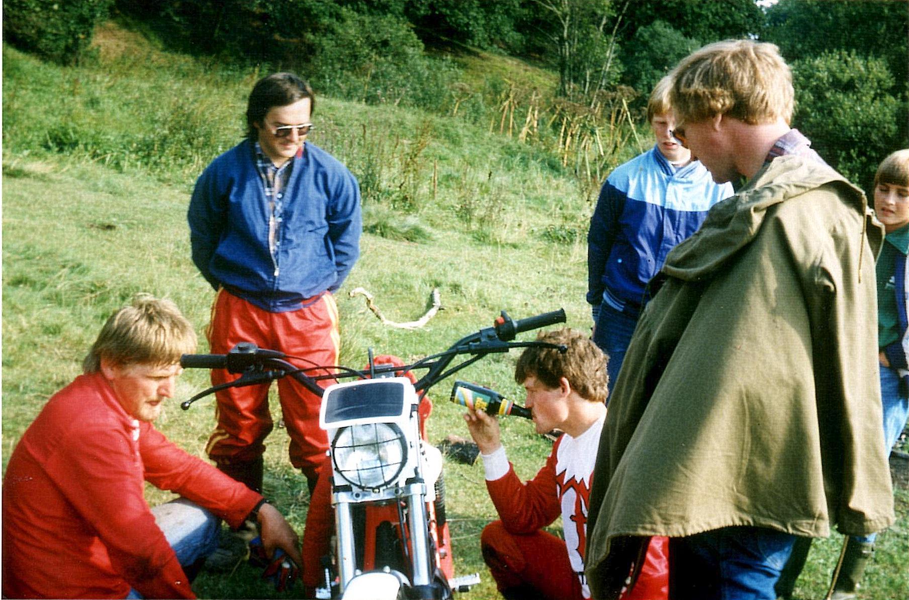 Hammel 21-8-82. Fra v. Jørgen Svendsen, John Jørgensen, Kim Kjær, Lars Pedersen.
