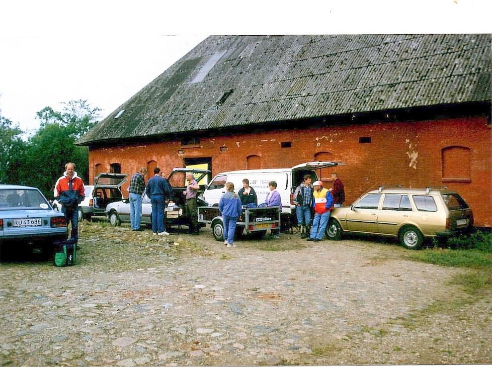 St. Grundet 25-08-96. AMK-officials og Steen Boris tv.