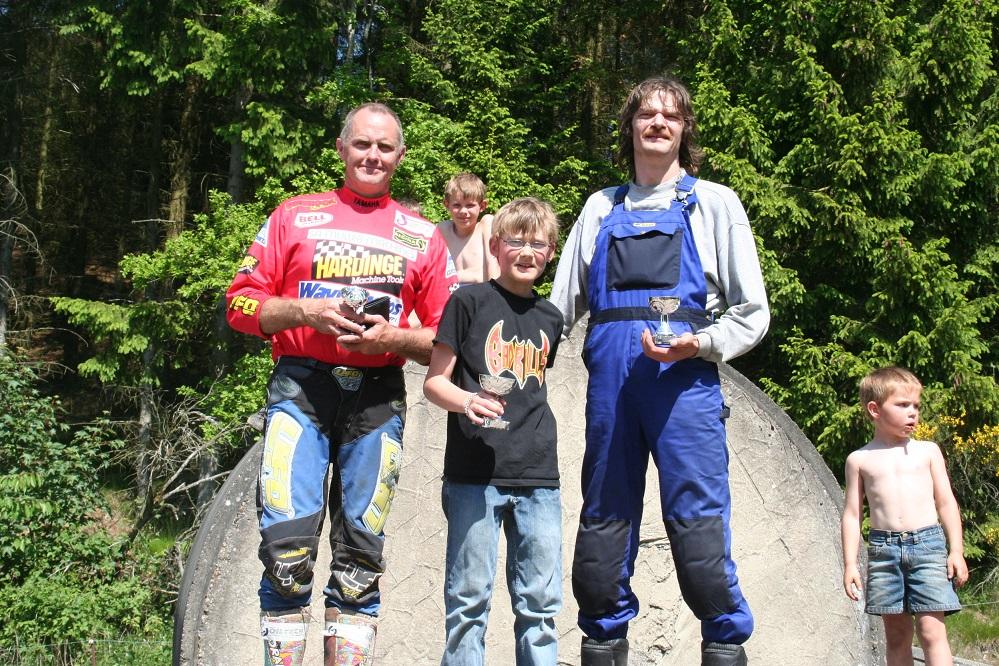 Klubmesterskabet 2005 C klasse. Morten Andersen vandt foran far Jens P.  th og Torben Pedersen tv.